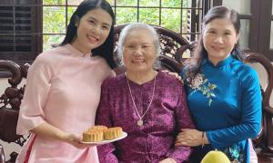 Hoa hậu Ngọc Hân khiến người thân bất ngờ về tài nấu nướng
