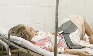 Thái Trinh mệt mỏi vì bị ngộ độc thực phẩm