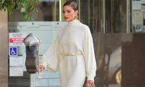 Hoa hậu Olivia Culpo diện nguyên cây trắng 'tỏa nắng khắp đường phố Cali'
