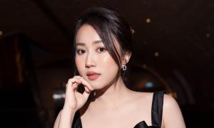 Set đồ hơn 500 triệu đồng Huỳnh Hồng Loan mặc đón tuổi mới