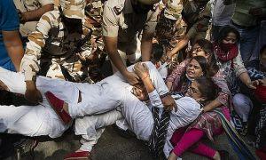 Thêm một cô gái Ấn Độ bị cưỡng hiếp đến chết