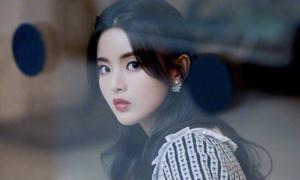 Dương Siêu Việt được khen đẹp 'lấn át' Yoona khi xem show thời trang