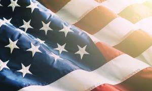 Có bao nhiêu sọc đỏ và trắng trên lá cờ Mỹ?