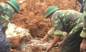 Tìm thấy 14 thi thể bị vùi lấp ở Quảng Trị