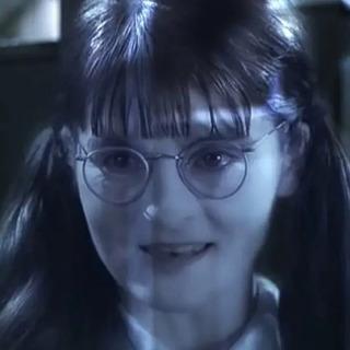 Quiz trắc nghiệm: Bạn là con ma nào ở Hogwarts?