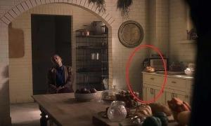 Những bóng ma lọt vào khung hình phim 'The Haunting of Bly Manor'