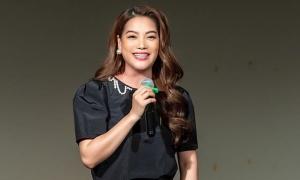 Trương Ngọc Ánh tự tin trong ngày làm chủ tịch liên hoan phim