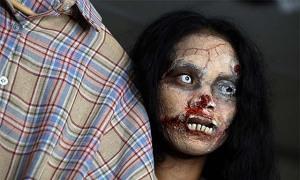Cô gái Thái Lan livestream bán quần áo người chết