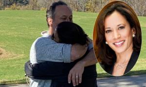 Chồng phó tổng thống chia sẻ khoảnh khắc ôm vợ mừng đắc cử