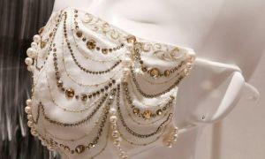 Khẩu trang đính kim cương vừa chống Covid-19 vừa 'đeo cho vui'