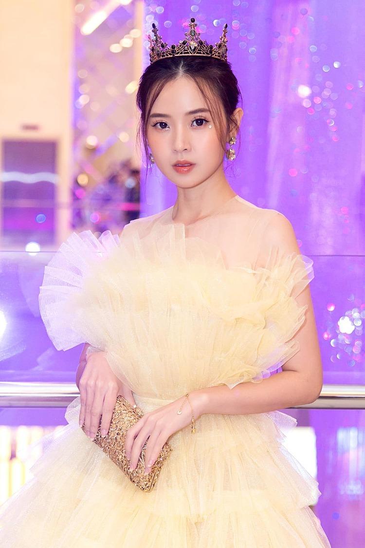 Midu phiền lòng khi bị lôi vào chuyện Phan Thành cưới Primmy Trương