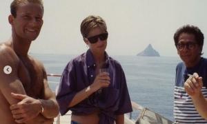 Bức hình mặc bikini hiếm hoi chưa từng công bố của cố công nương Diana