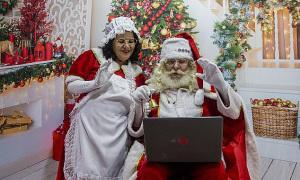 Những 'ông già Noel online' giữa Covid-19