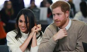 Sự cố 'muối mặt': Hoàng tử Harry bị nhầm là nhân viên bán hàng