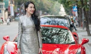 Hương Baby lái siêu xe 17 tỷ đồng đi sự kiện