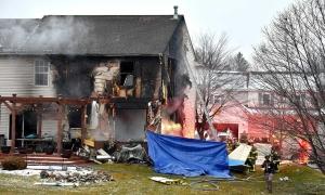 Gia đình 3 người thiệt mạng khi máy bay lao vào nhà dân