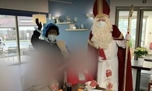 Số người chết sau khi 'ông già Noel siêu lây nhiễm' ghé thăm tăng gần gấp đôi