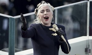 Lady Gaga hát hay như 'nuốt đĩa' tại lễ nhậm chức Tổng thống Joe Biden