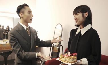 Hải Tú rưng rưng khi được Sơn Tùng tổ chức sinh nhật bất ngờ