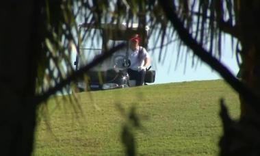 Ngày đầu tiên hết nhiệm kỳ, Donald Trump đi chơi golf