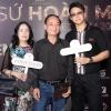 Matt Liu đưa bố mẹ Hương Giang đi xem Hoa hậu Chuyển giới Việt Nam