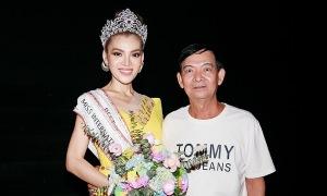 Bố hoa hậu Trân Đài: 'Con tôi sống tự lập, kiếm tiền phụ gia đình từ nhỏ'