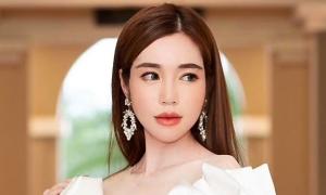 Viết status về 'trà xanh', Elly Trần bị fan của Sơn Tùng bới chuyện 'chị cũng giật chồng người ta'