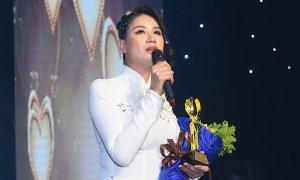 Trang Trần, Hiền Mai được vinh danh giải thưởng 'Chim én 2020'