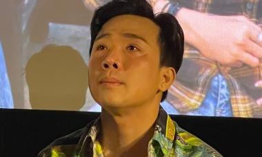 Trấn Thành bật khóc vì 'quá cực' với phim 'Bố già'