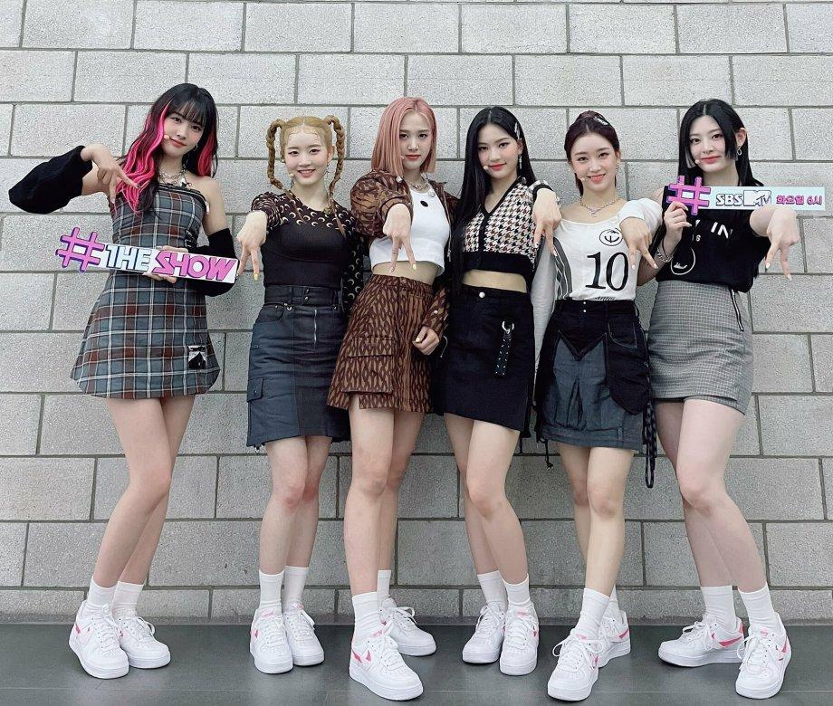 Girlgroup toàn mỹ nhân StayC được khen outfit đẹp 'đánh bật Aespa'