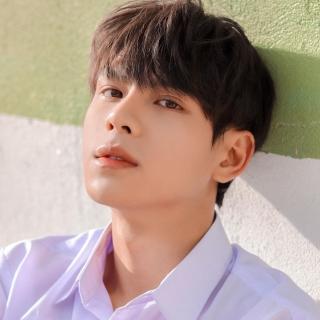 Bạn trai của Phí Phương Anh trong MV: Cực phẩm chuẩn 'con nhà người ta'
