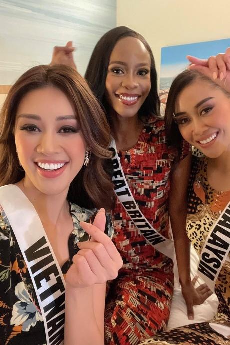 'Bóc giá' bộ đồ ngủ thun Khánh Vân tặng thí sinh Miss Universe