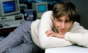 Bill Gates trước khi cưới Melinda: Tổ chức tiệc khỏa thân, thác loạn ở hộp đêm