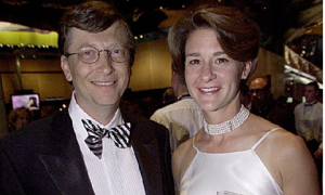 Bill Gates rời Microsoft sau khi bị phanh phui vụng trộm với  nhân viên