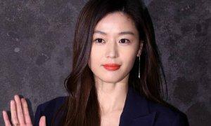 Jun Ji Hyun bị chồng 'cắm sừng' nhưng nhất quyết không ly dị vì hợp đồng quảng cáo?