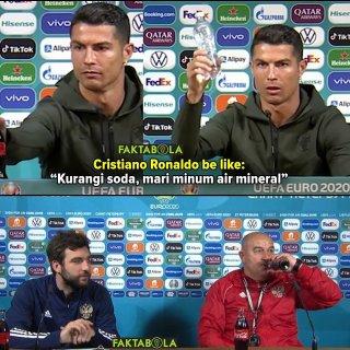 Khác Ronaldo, HLV Cherchesov tu ừng ực chai Coca trong họp báo