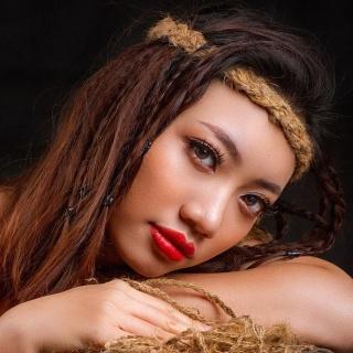 Nữ sinh gốc Lào gây chú ý tại Hoa hậu Du lịch Việt Nam toàn cầu
