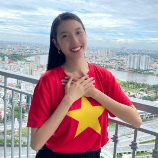 Thúy Vân quay MV tại nhà riêng với dàn 'khách mời' đặc biệt