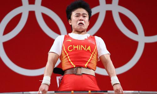 Trung Quốc 'nổi giận đùng đùng' vì ảnh nhà vô địch cử tạ trông 'xấu xí'