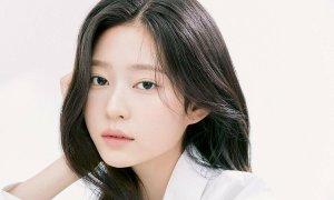 Min Joo (IZONE) khoe bộ ảnh profile mới: Đẹp như diễn viên nhưng vẫn bị chê 'buồn ngủ'