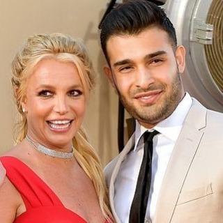 'Cha Britney Spears thuê thám tử theo dõi tất cả bạn trai của cô'