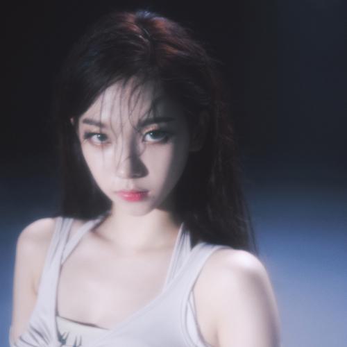 Aespa bị nghi bắt chước concept của Black Pink trong teaser comeback